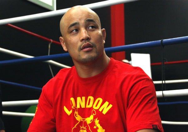 元世界ボクシングクルーザー級王者の西島洋介(マスター西)がレクチャーするボクシング動画